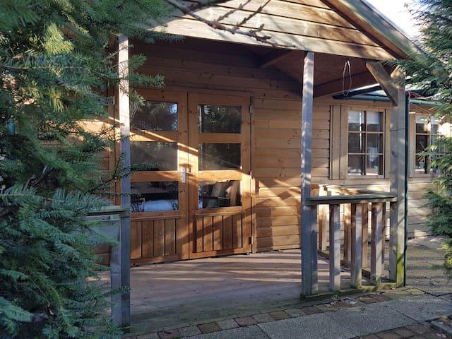 Charmant zelfstandig chalet met(luxe)voorzieningen - Amerongen - กระท่อมบนภูเขา