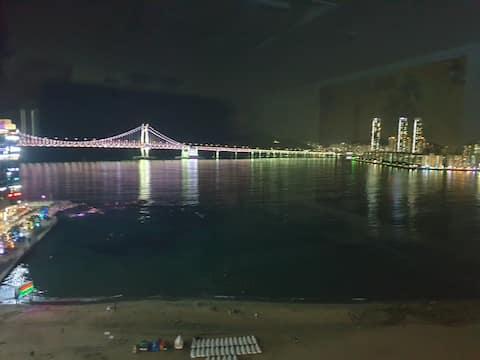 # Sunnyhouse # Panorama View # Vista frontale del Guangdong Bridge # Di fronte ai fondali marini # Free Netflix