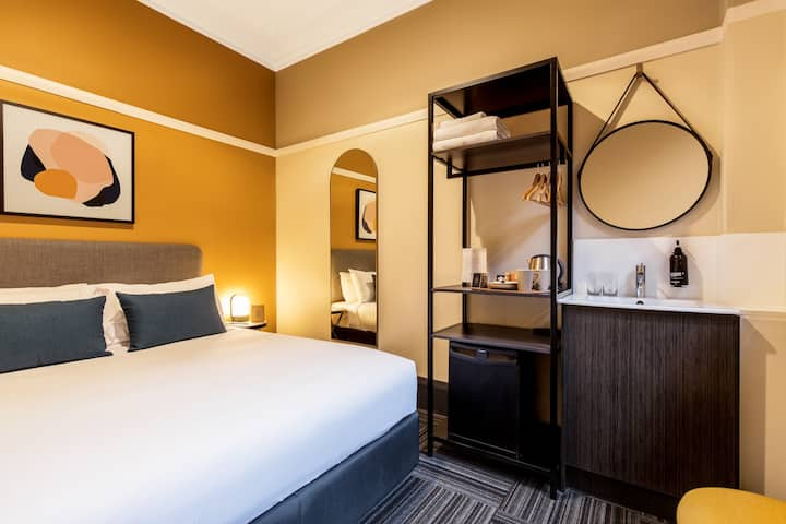 Triple (3) /Twin Room (2 beds), Allocated Bathroom