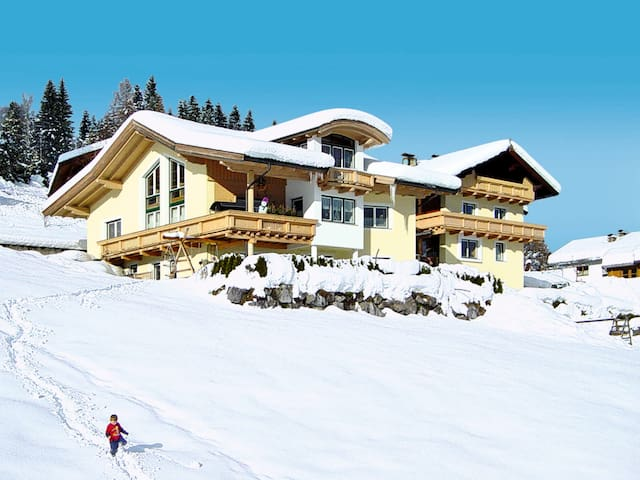 2 BDR holiday apartment with amazing mountain views