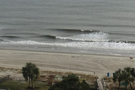 Oceanview 3 Bd/2 Ba - Beach, Pools and more - Myrtle Beach