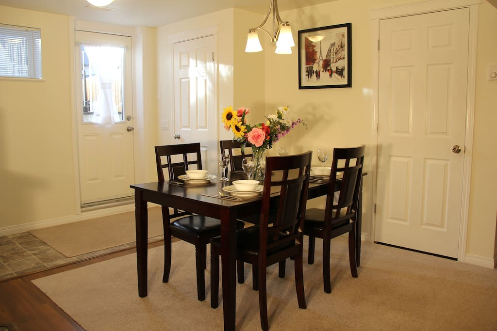 Dining table seat up to 4 people