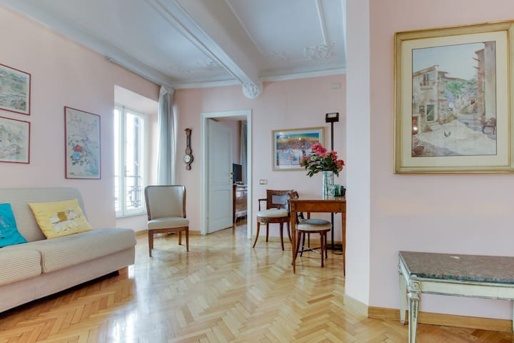 Gregoriana 1BR Apartment close to Spanish Steps - Roma - Apartamento