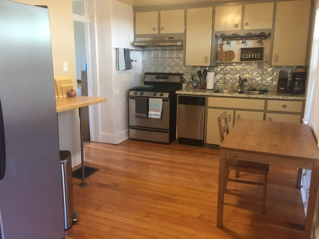 Renovated 2BR Close to Downtown Gallup