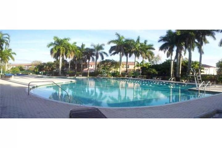 Your house in South Florida - Pembroke Pines - House