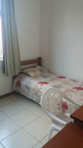 Quarto Individual - próximo iguatemi (1 morador) - Salvador - Apartment