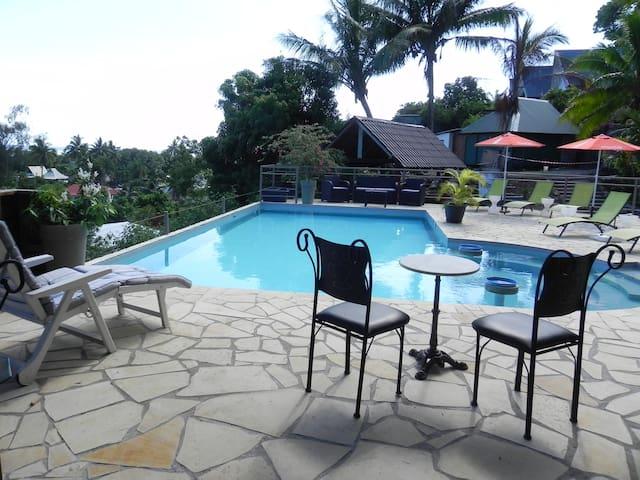 Pension ARANA vue superbe sur lagon bungalow Etini - 'Ātihā - Bungalow