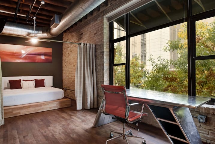 Urban Loft in the ♥ of Downtown Austin