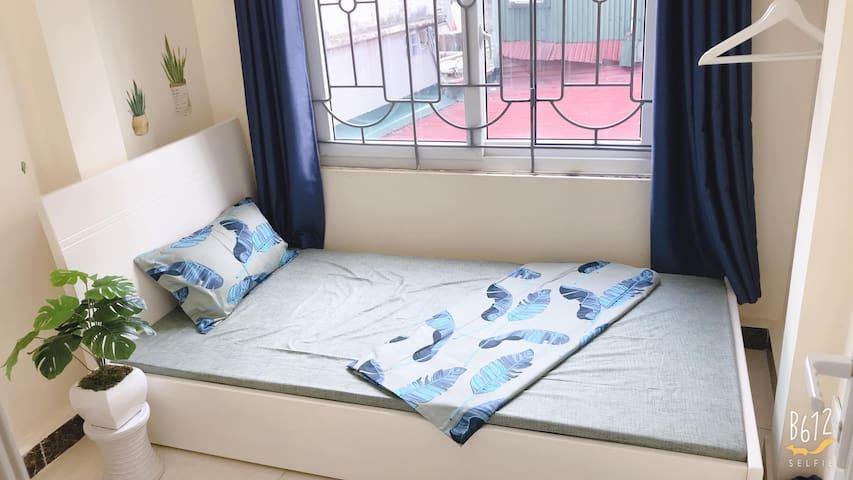 V'Home/Vietnamese house/private room near Westlake