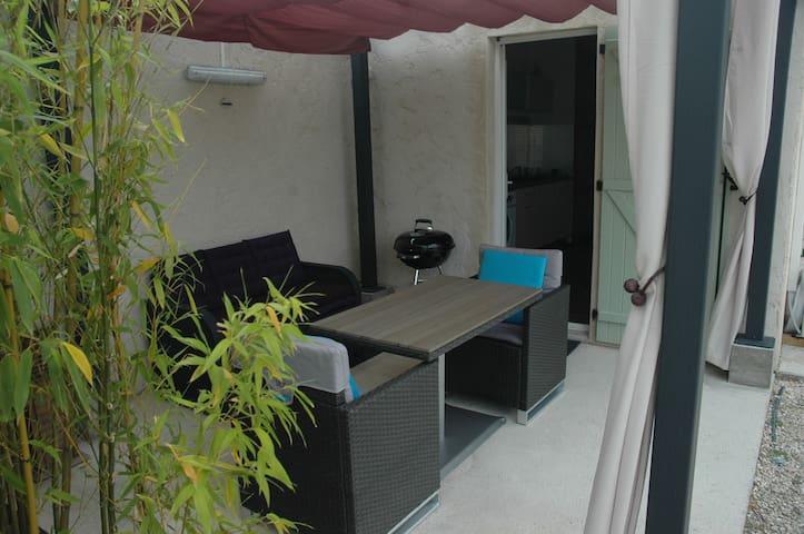 Appartement refait à neuf - Tourbes - Apartment