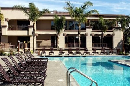 Walking distance to Venice Beach - Marina del Rey - Apartment