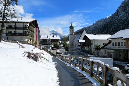 Holidays in real Mountains! - Sankt Gallenkirch