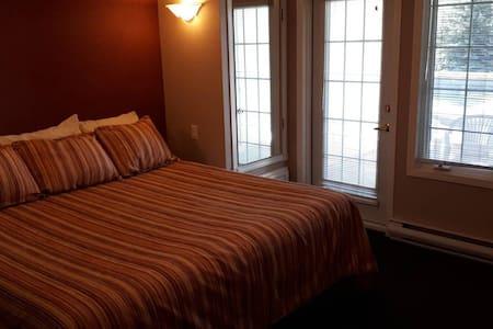 Fairmont Hot Springs Junior One-Bedroom Suite