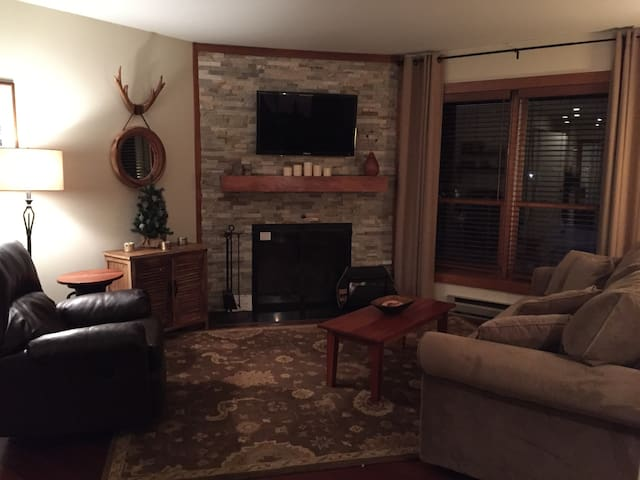 Beautifully Renovated Condo, Ski Home, New 2 AIRBB - Killington - Byt
