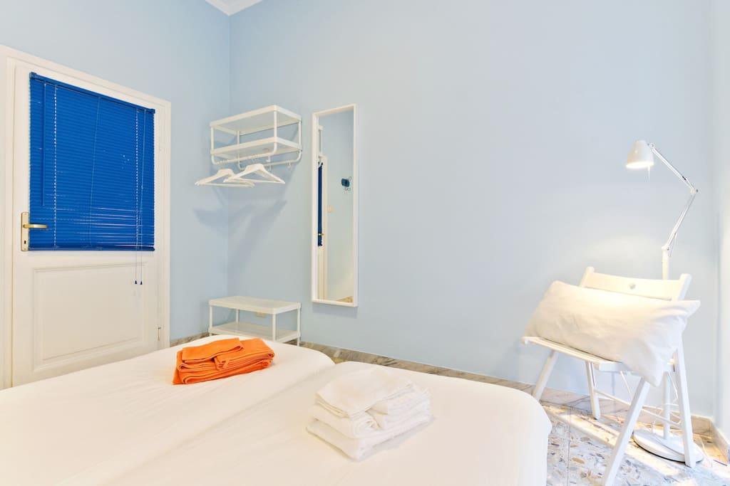 St peter 39 s colors stanza light blue bagno privato - Stanza bagno privato roma ...