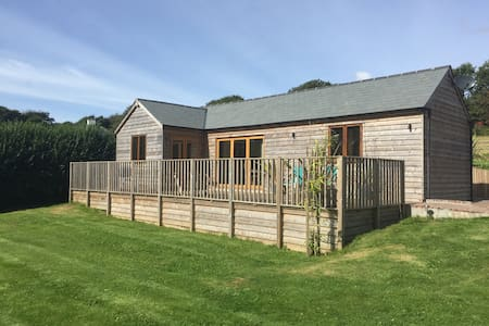 Peaceful getaway lodge near the sea - Kingsbridge