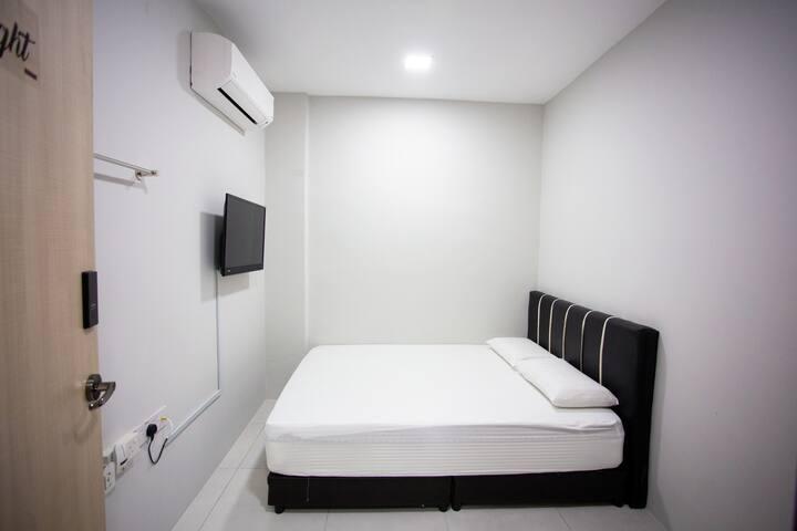 Hom2Rex ~ Home 2 Relax ~ Kuching Homestay ~ G Room