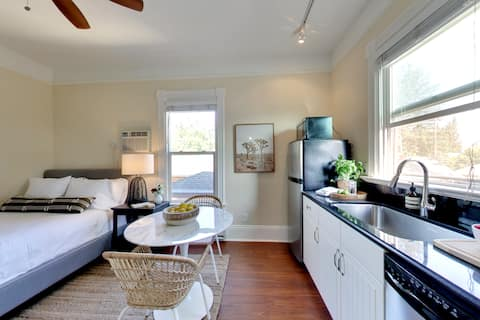 Bright and Beautiful Private Room Unit #2