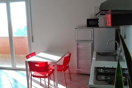 Attichetto Nuovo in Tricolore Italiano - Rimini - Apartemen
