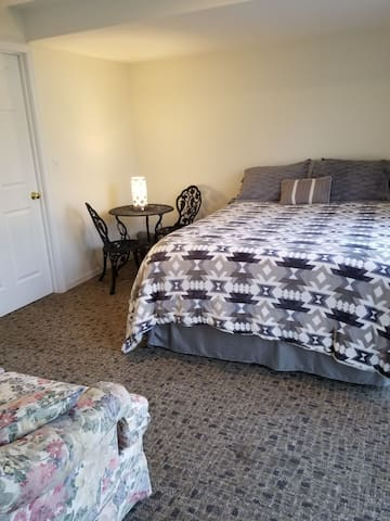 Near airport and sports complex, Queen Bedroom #2.