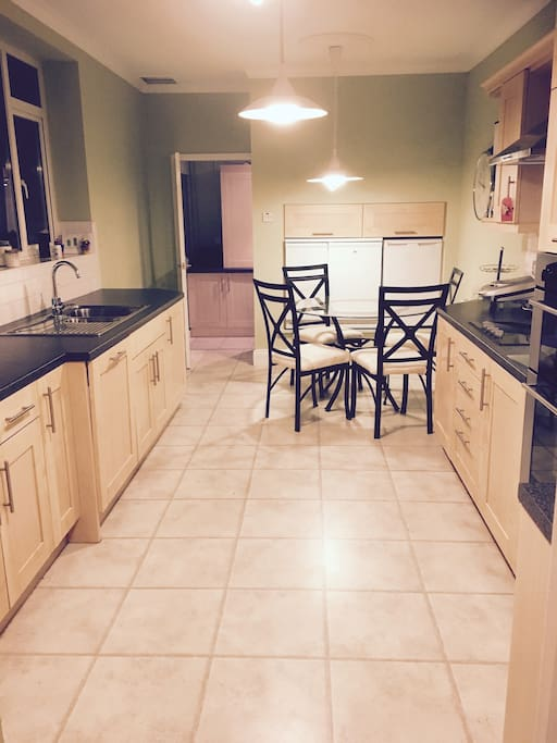 Fully equipped kitchen, large and spacious to make yourself at home and enjoy dining. Separate washroom to organise any laundry you may have. Use of your own fridge and freezer.