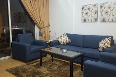 Charming 1BD Apartment-Suite in the Heart of Hamra - Beiroet