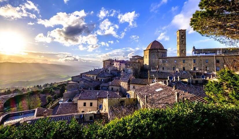 Volterra only 25 km.