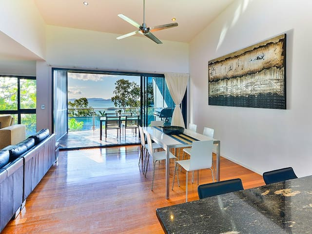 2 Bedroom Pinnacle Apartments - Hamilton Island - Appartement