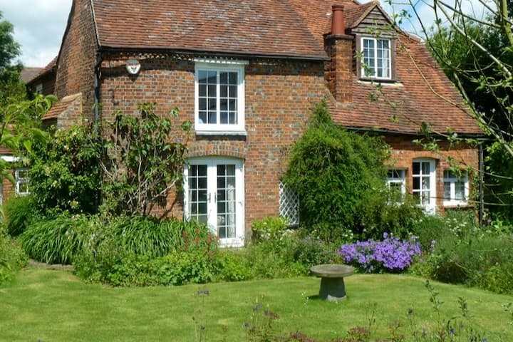 Beautiful Studio Annexe in character Cottage