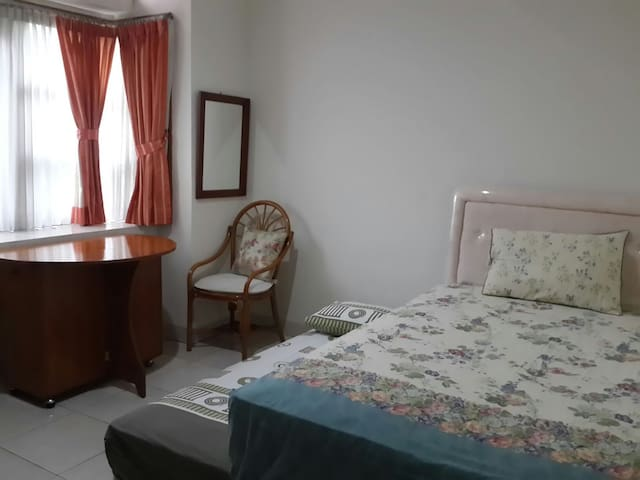 #1 PRIVATE ROOM w PRIVATE FACILITY - Tebet - Dom