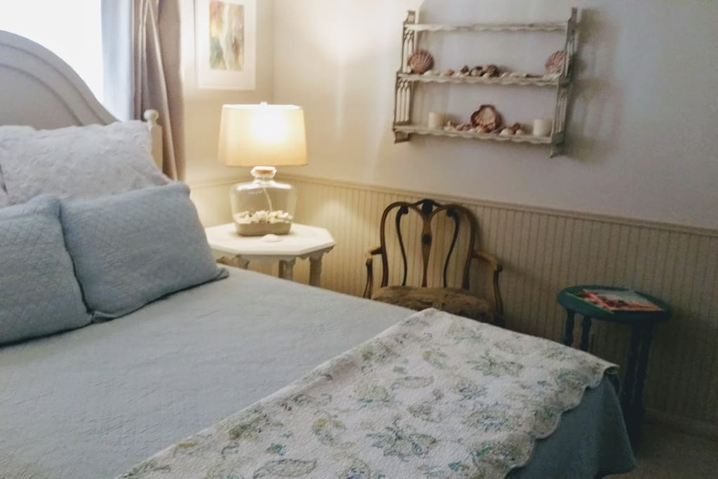 Cotton coverlets dress the bed.  Only the best hypoallergenic Vellux blanket is under the coverlet.