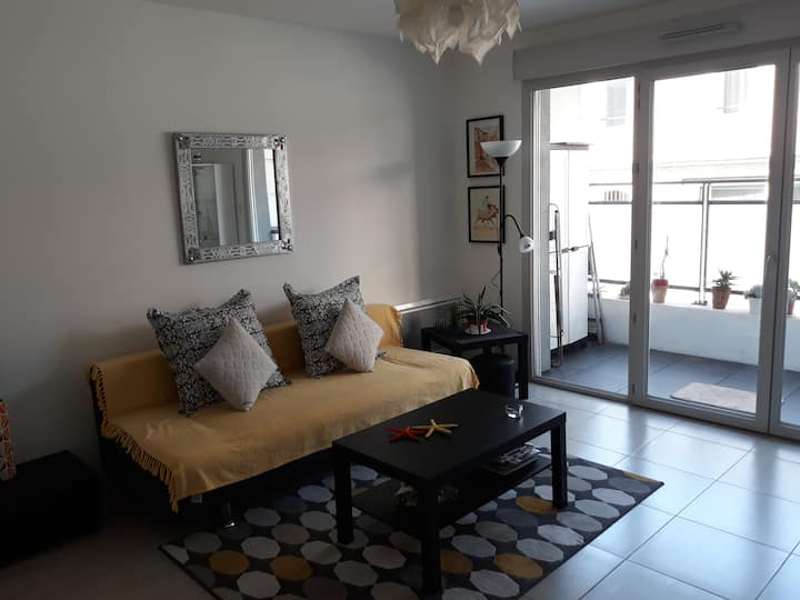 Ideal Sea and city apartment within walkin distanc