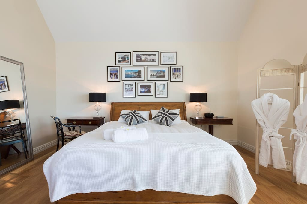 King size master bedroom with double shower ensuite