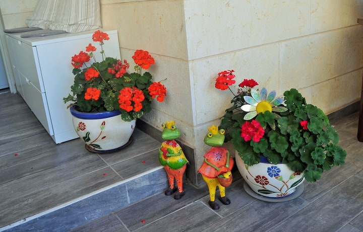 Home to enjoy vacation with children