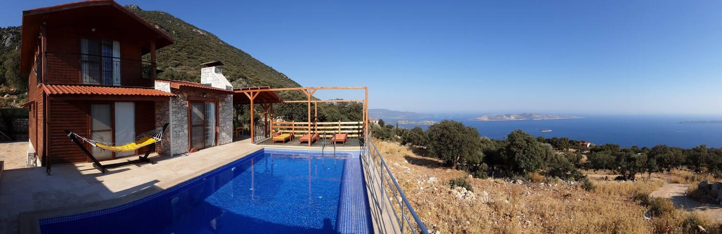 Villa Sultan - Akdeniz ayaklarınızın altında...