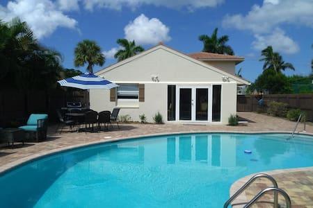 $188 July August 4 bdrm Main House & Villa 2 Bldgs