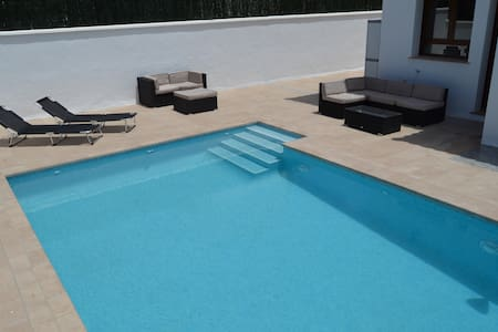 Villa nueva con piscina privada cerca de la playa. - Cuevas del Almanzora - Willa
