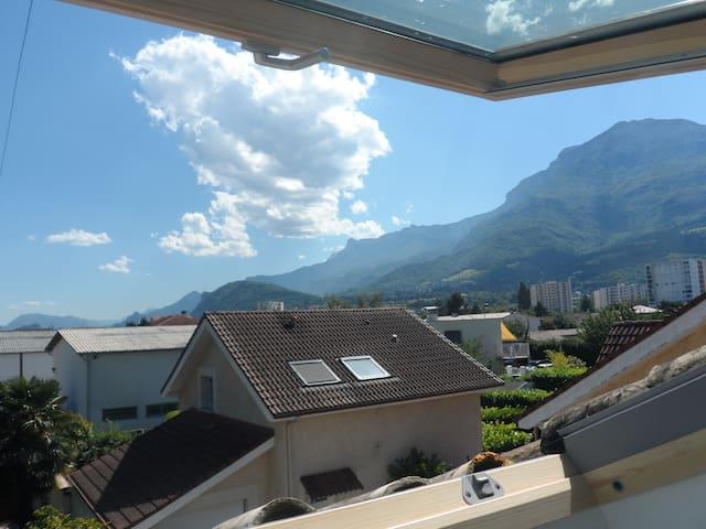 Studio calme avec piscine à proximité de Grenoble