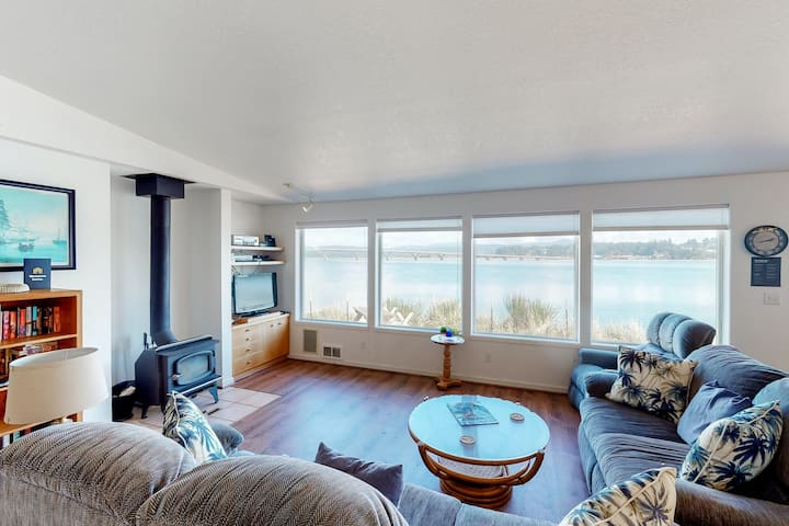 Dog-friendly bayfront home w/stunning water & bridge views, shared pool