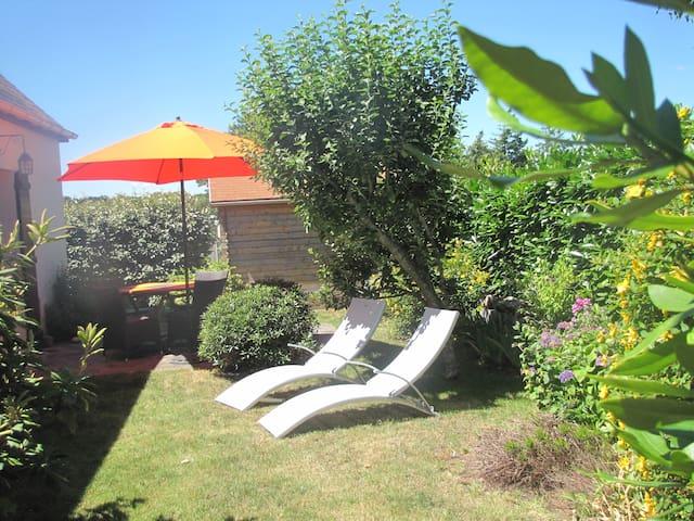Maison et jardin   lorient , proche des plages - Quéven - House
