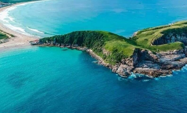 Casa em condomínio a 5 minutos da praia do Peró!