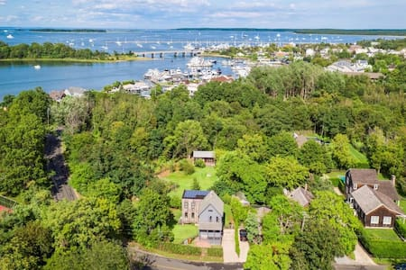 Serene Sag Harbor Village retreat - Sag Harbor