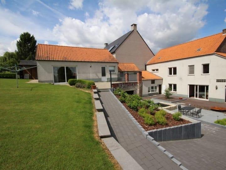 Luxhouse garden40acres(families /UZLeuven/Brussels