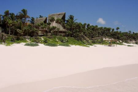 Casa Nalum - Luxury Beachfront Villa - Tulum