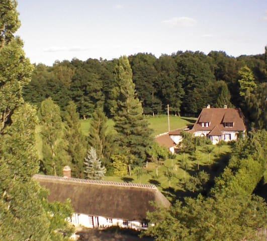 Grande propriété avec tennis et bois