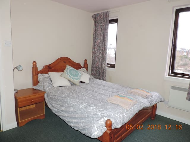 entire first floor flat in great location apartments for rent in