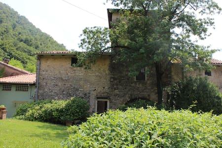 La Rocchetta antica torre confinaria