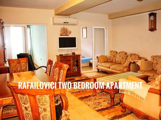Budva-Rafailovici izdaje se dvosoban apartman