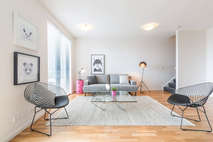 16*2BR 2Levels*New York Style Loft*Central Melb
