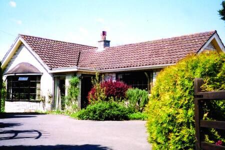 Maymorn, delightful bungalow in a peaceful setting